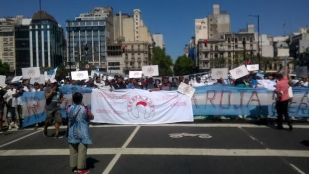 Cresta Roja bloquea 9 de Julio y Avenida de Mayo