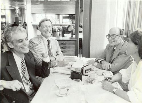 Sebreli, Garasa, Felix Luna , y Nilda Sosa. Foto: Archivo / Búsqueda documental de Gabriela Miño