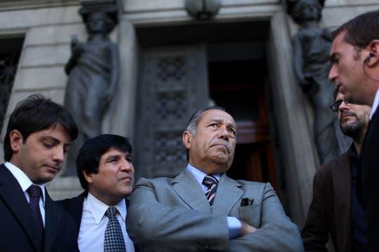 Adolfo Rodriguez Saá Habla con periodistas en la puerta del Con Greso de la Nación. Foto: LA NACION / Aníbal Greco