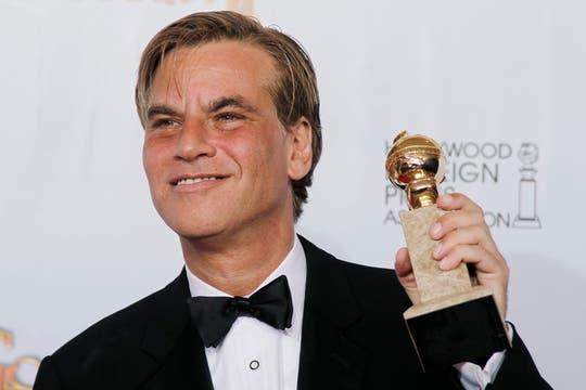 Aaron Sorkin consiguió el Globo de Oro al mejor guión por Red Social.. Foto: Reuters