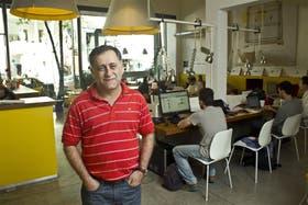Claudio Bisurgi, uno de los socios de Urban Station, en las oficinas de Palermo