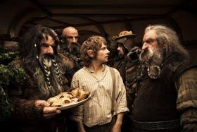 Bilbo Bolsón (Martin Freeman) junto a los enanos que lo acompañarán a la aventura en Un viaje inesperado