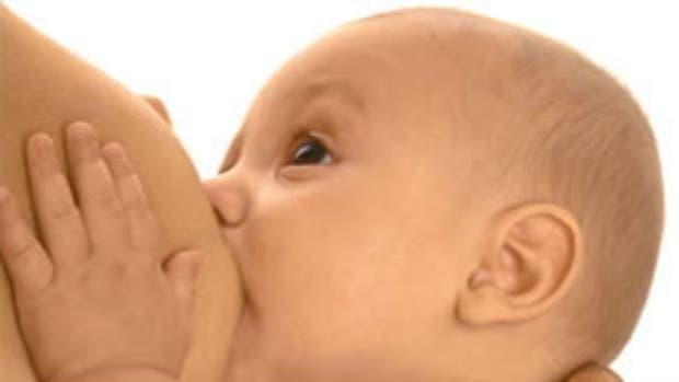 La lactancia materna es vital hasta los 6 meses para el crecimiento óptimo de un bebe