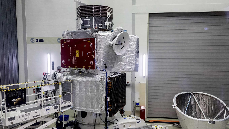 La sonda BepiColombo en Holanda, durante los últimos exámenes foto: AFP