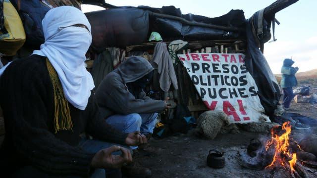Los mapuches mantienen tomadas tierras privadas