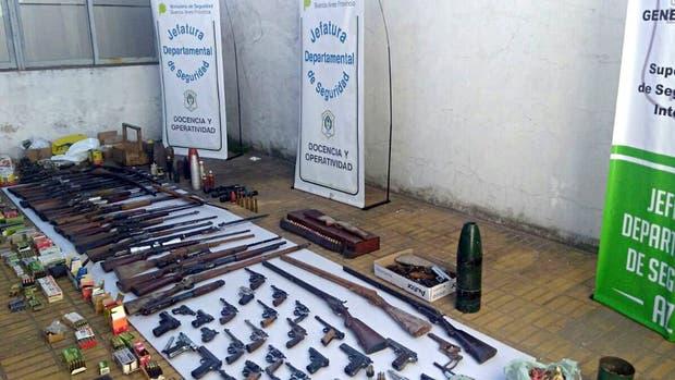 El arsenal que estaba a disposición de delincuentes en la localidad de Azul