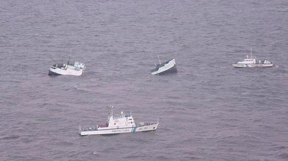 El Aredelta I se partió al medio y sus tripulantes fueron rescatados por Prefectura
