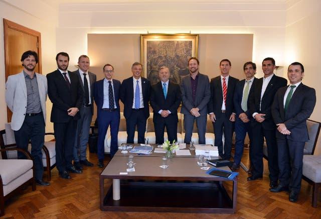 Aranguren y Cabrera, junto a los ejecutivos de Vestas