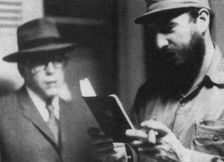 Che Guevara caracterizado como Ramón Benítez con Fidel Castro. Foto: Fotografía del libro Che Guevara, la vida en juego