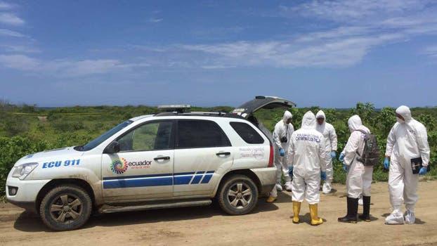 El equipo de la Policía Nacional Criminalística regresa una y otra vez al terreno en busca de nuevos rastros. Foto: Omar Sotomayor