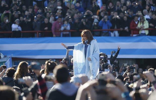 Los colores de la bandera argentina fueron los únicos que se visualizaron; no hubo carteles de agrupaciones