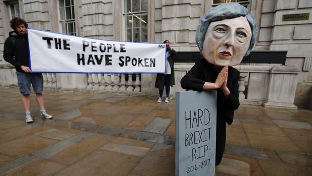 Protestas contra May en Gran Bretaña