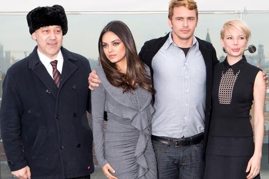 De Rusia con amor. El elenco del film Oz y su director, Sam Raimi, posan para los fotógrafos.. Foto: AP