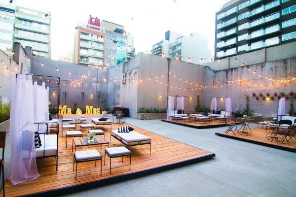 El patio de PL Deli Café