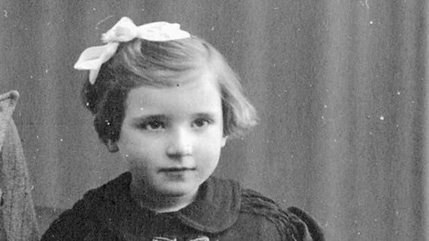 Cuando el nazismo conquistó Europa, Charlotte de Grünberg tenía 8 años y perdió hasta la identidad