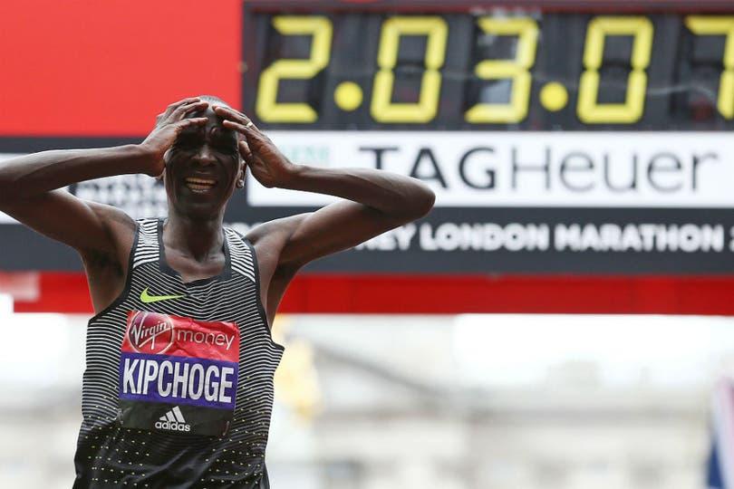 Maratón de Londres 2016, Kipchoge quedó en las puertas del récord de Dennis Kimetto