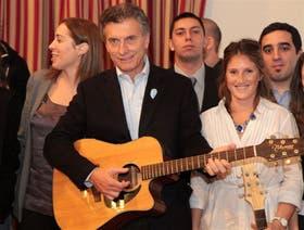 """Macri se reunió con jóvenes que participan del programa """"Bandas por Barrios"""""""