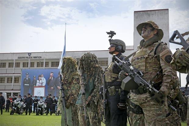 """El acto de presentación de la """"nueva"""" Federal, en la sede del Cuerpo de Policía Montada, en Palermo"""