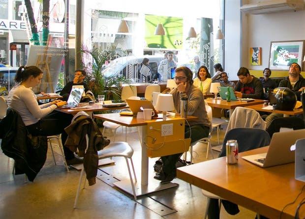 Los espacios de coworking albergan a unos 6856 trabajadores