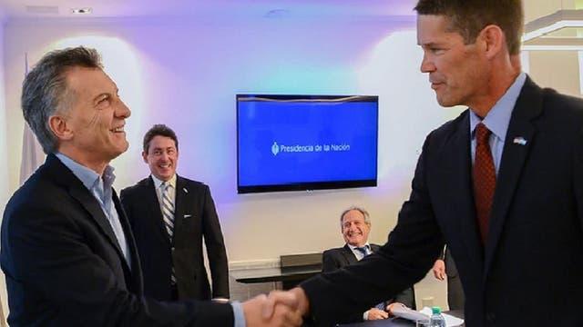 Macri y Michael Punke, vicepresidente de Políticas Públicas Global de Amazon Web Services, tras la firma del acuerdo de cooperación en julio de este año
