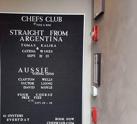 La cartelera anunciando el banquete argentino en la Gran Manzana