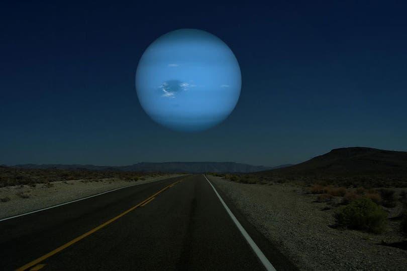 Cómo se vería con Neptuno en el lugar de la Luna.