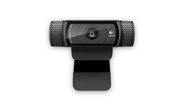 Posee un sistema de micrófonos estéreo y una modalidad de reducción de ruido