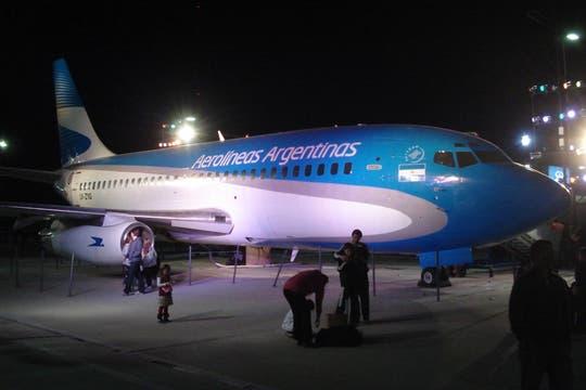Un Boeing 737 en la puerta de Tecnópolis es una invitación al volar para quienes nunca subieron a un avión. Foto: LA NACION / Víctor Ingrassia