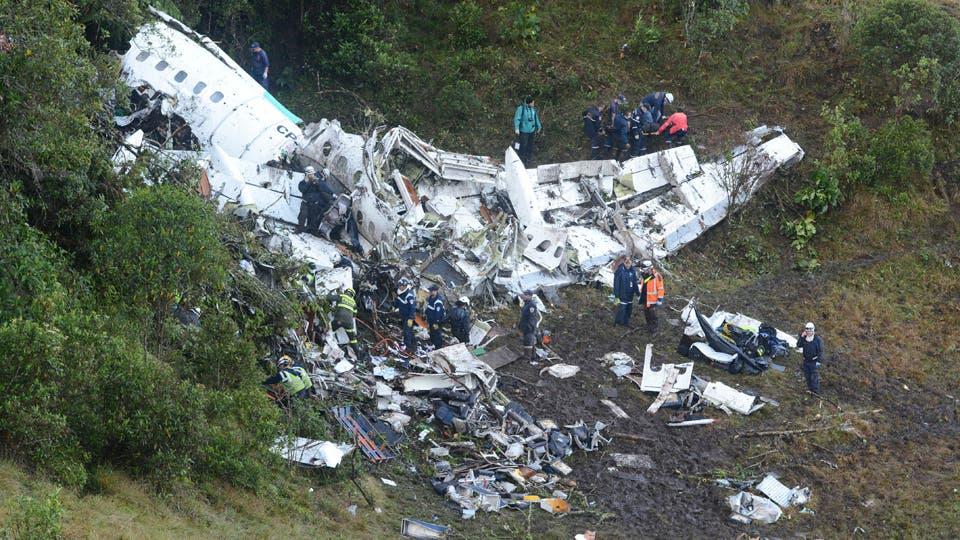 Así quedó el avión en el que viajaba el plantel de Chapecoense. Foto: AP / Luis Benavides