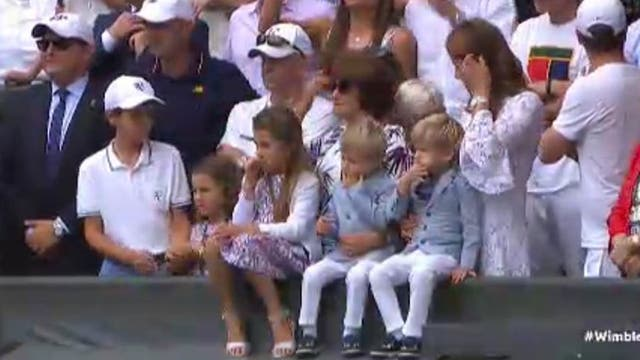 Los hijos de Roger Federer, en el palco del campeón