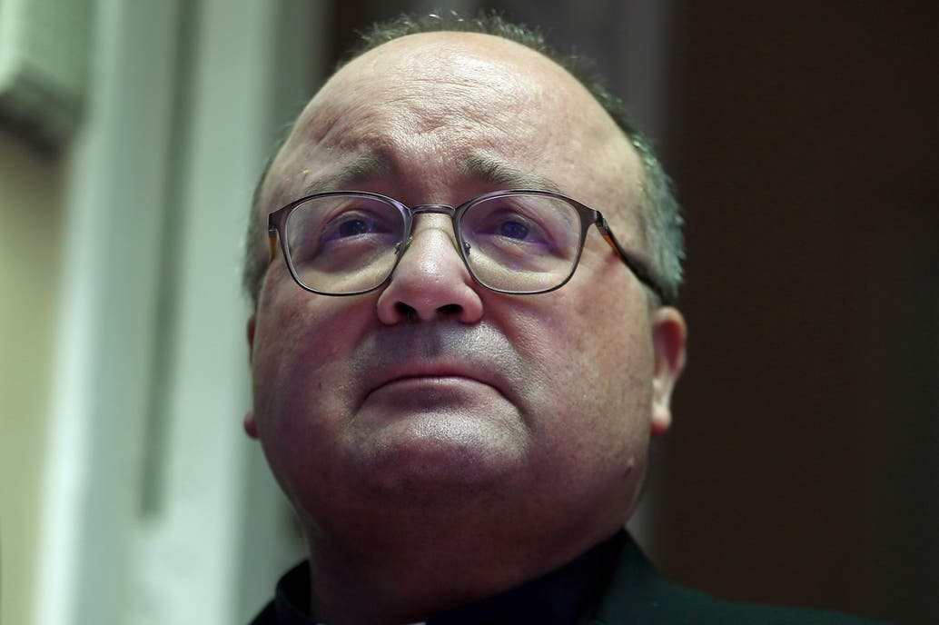Enviado del Vaticano para investigar supuestos abusos sexuales en Chile es hospitalizado