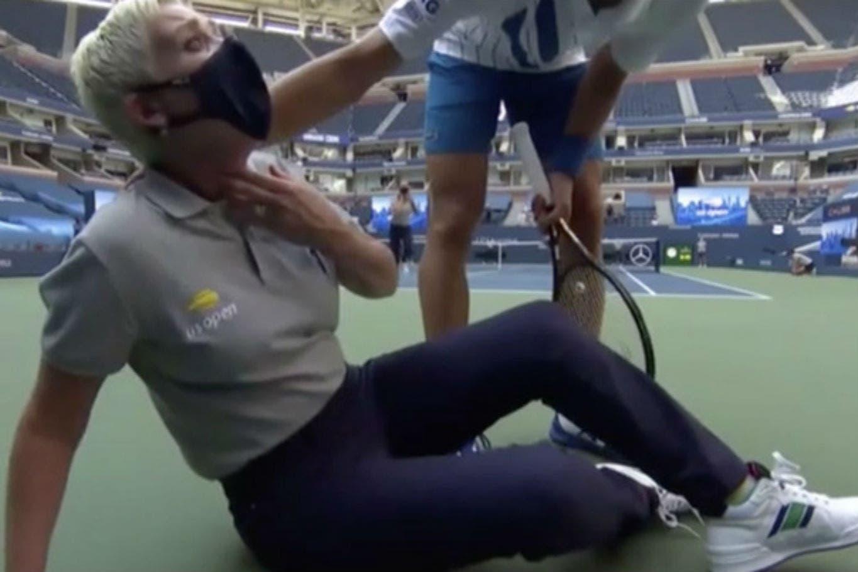 La Expulsion De Novak Djokovic Del Us Open Los Gritos De La Jueza De Linea Y La Mirada De Toni Nadal Que Califico La Accion De Infortunio La Nacion