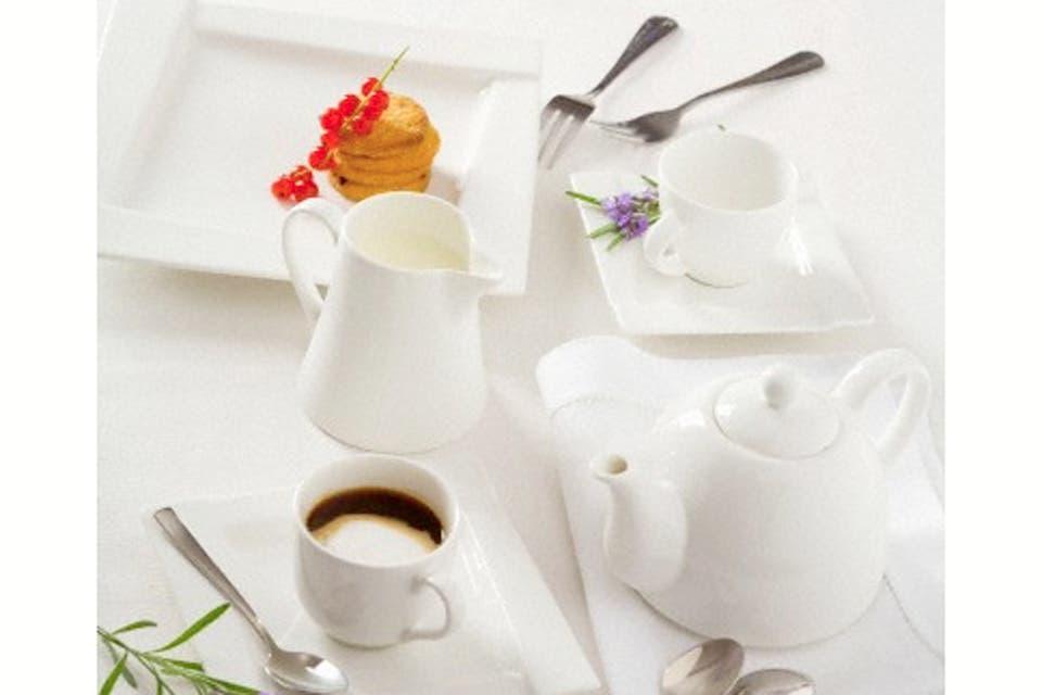 Para el café tiene que haber una jarra de agua de fría, una jarrita con crema y otra con leche; azúcar y edulcorante. Foto:Archivo /Corbis