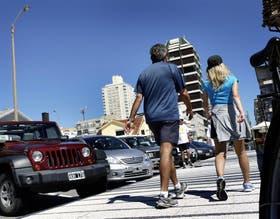 En Punta del Este, ayer algunos argentinos comenzaron a ser vistos, pero hay inquietud