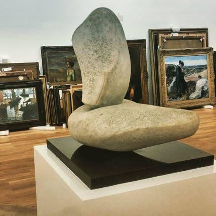 Antes del montaje, las obras esperanban detrás de una escultura de Libero Badii. Foto: Gentileza Ministerio de Cultura de la Nación