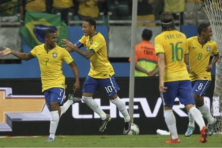 Brasil se reencontró con el éxito y derrotó por 3-0 a Perú