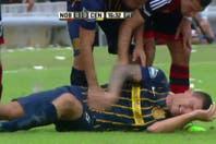 El fuerte planchazo de Maxi Rodríguez contra Musto que generó la reacción de todos los jugadores