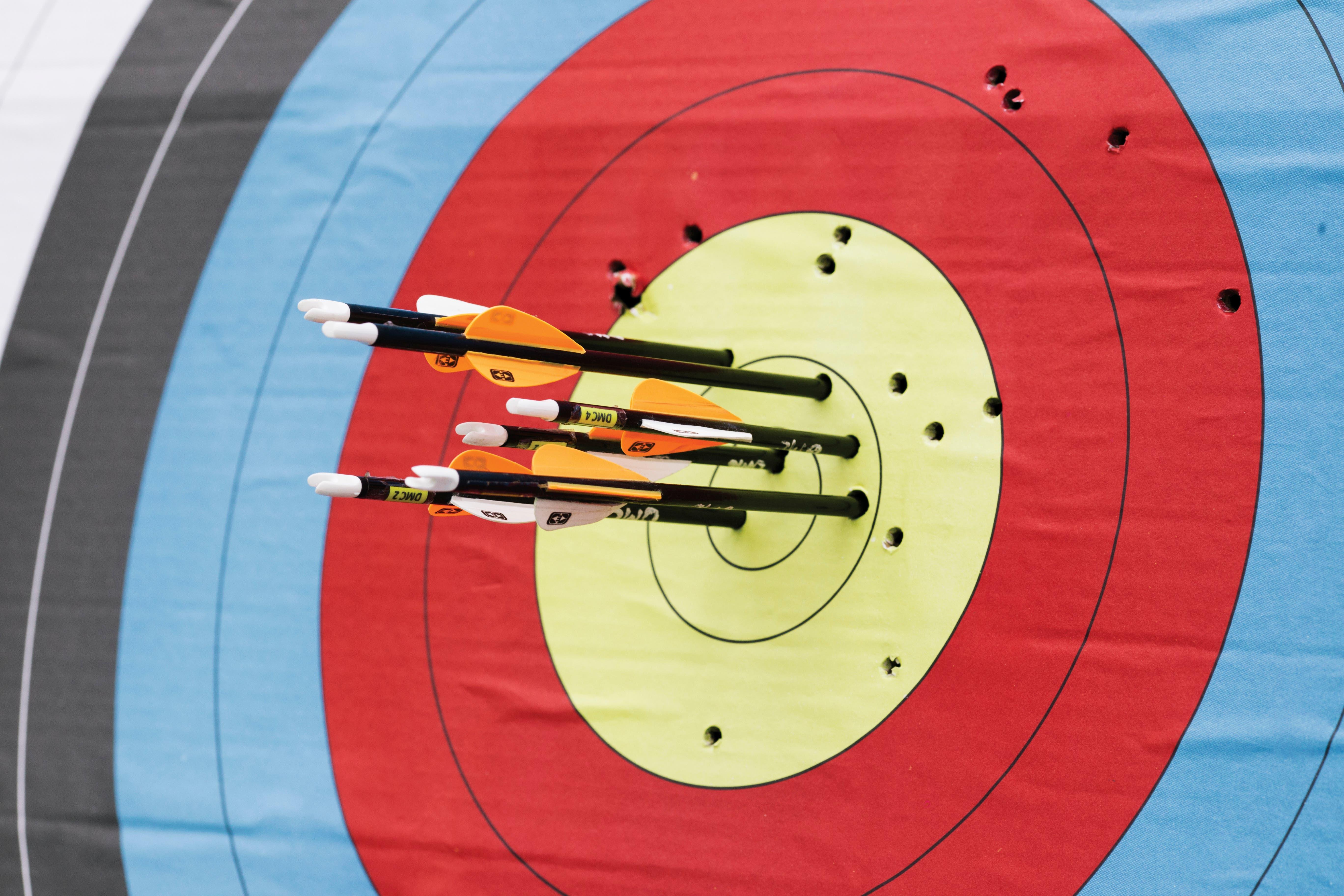 El tiro con arco no solo es un deporte olímpico o una antigua forma de conseguir alimento. Fuimos a lanzar flechas para demostrar que, en un templo zen en Japón o en un gimnasio de Belgrano, lo importante es la búsqueda del equilibrio interior.