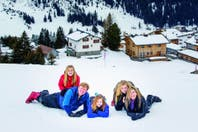 Los reyes de Holanda protagonizaron su tradicional posado de invierno en el corazón de los Alpes austríacos