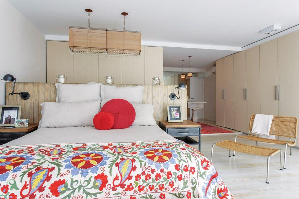 Ideas para decorar un cuarto con sello propio la nacion for Revistas decoracion dormitorios