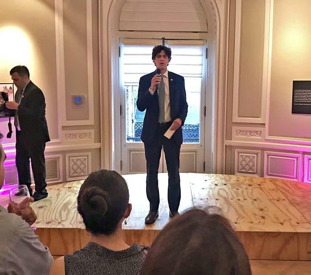 Lousteau, se despidió ayer en la embajada en Washington