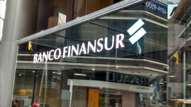 El Central suspendió al Banco Finansur, propiedad del empresario Cristóbal López