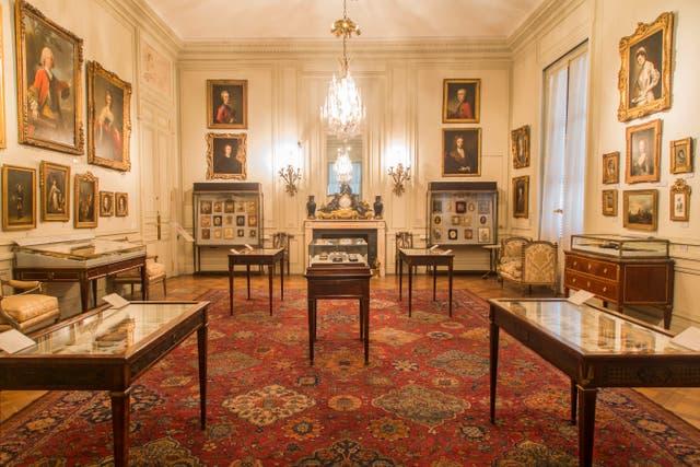 Una de las salas del MNAD, donde se exhibe el reloj donado por Corina Kavanagh