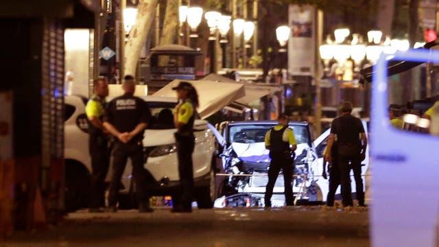 Autor de atentado de Barcelona sigue prófugo