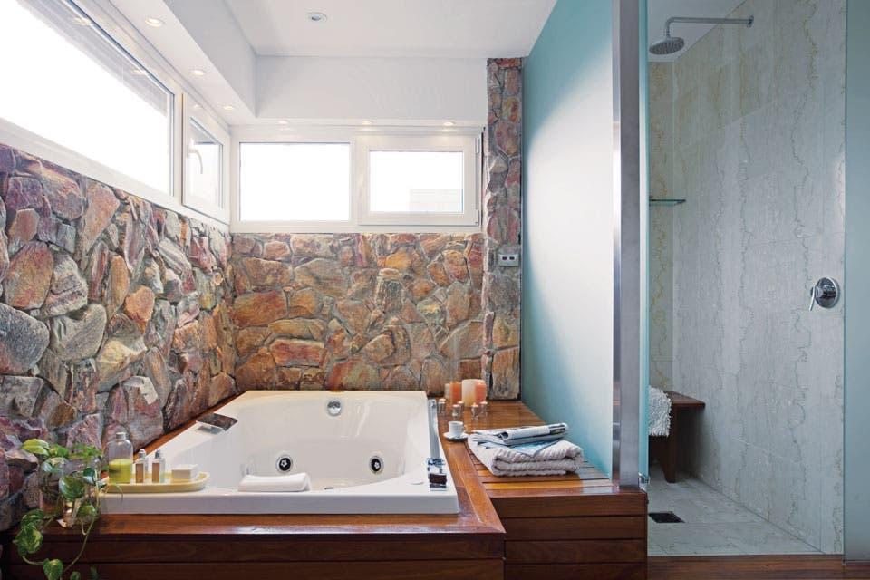 Diseno Baños De Vapor:El sector de ducha, con baño de vapor incluido (Jacuzzi), está