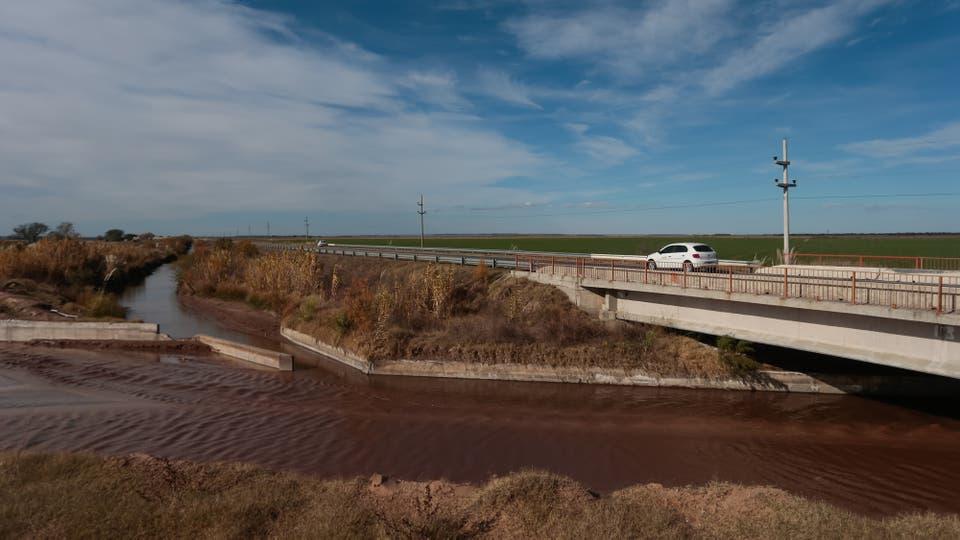 Durante 28.000 años no había habido rastros de agua en la región. Desde mediados de los 80, en la zona límite entre San Luis y Córdoba se formaron seis cauces. Foto: LA NACION / Diego Lima