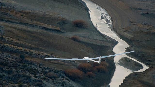La marca que registraron ayer de 52.172 pies es por ahora una nueva marca mundial extraoficial, dado que se debe esperar la homologación que otorga la Federación Aeronáutica Internacional (FAI)