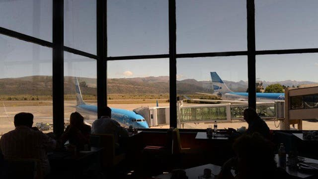 Cerró el aeropuerto de Bariloche porque se rompió un autobomba