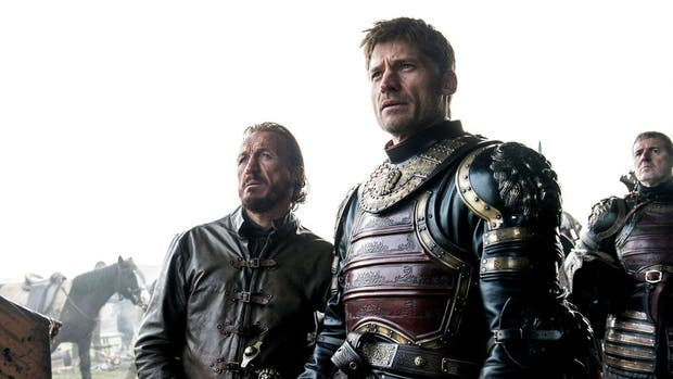 Jamie Lannister (Nikolaj Coster- Waldau) acompañado de Bronn (Jerome Flynn)