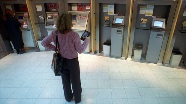 La medida podría afectar la normal provisión de billetes en los cajeros automáticos